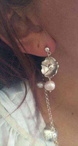 Örhänge Kurbitsblomma med pärla